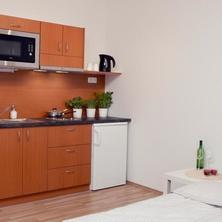 kuchyňka ve dvoulůžkovém pokoji