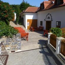 Restaurace a pension Kadlcův mlýn
