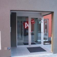 budova A - hlavní vchod