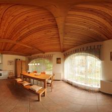 kuchyň se vstupem na terasu