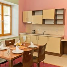 Studio bezbariérové 102 - kuchyňský kout