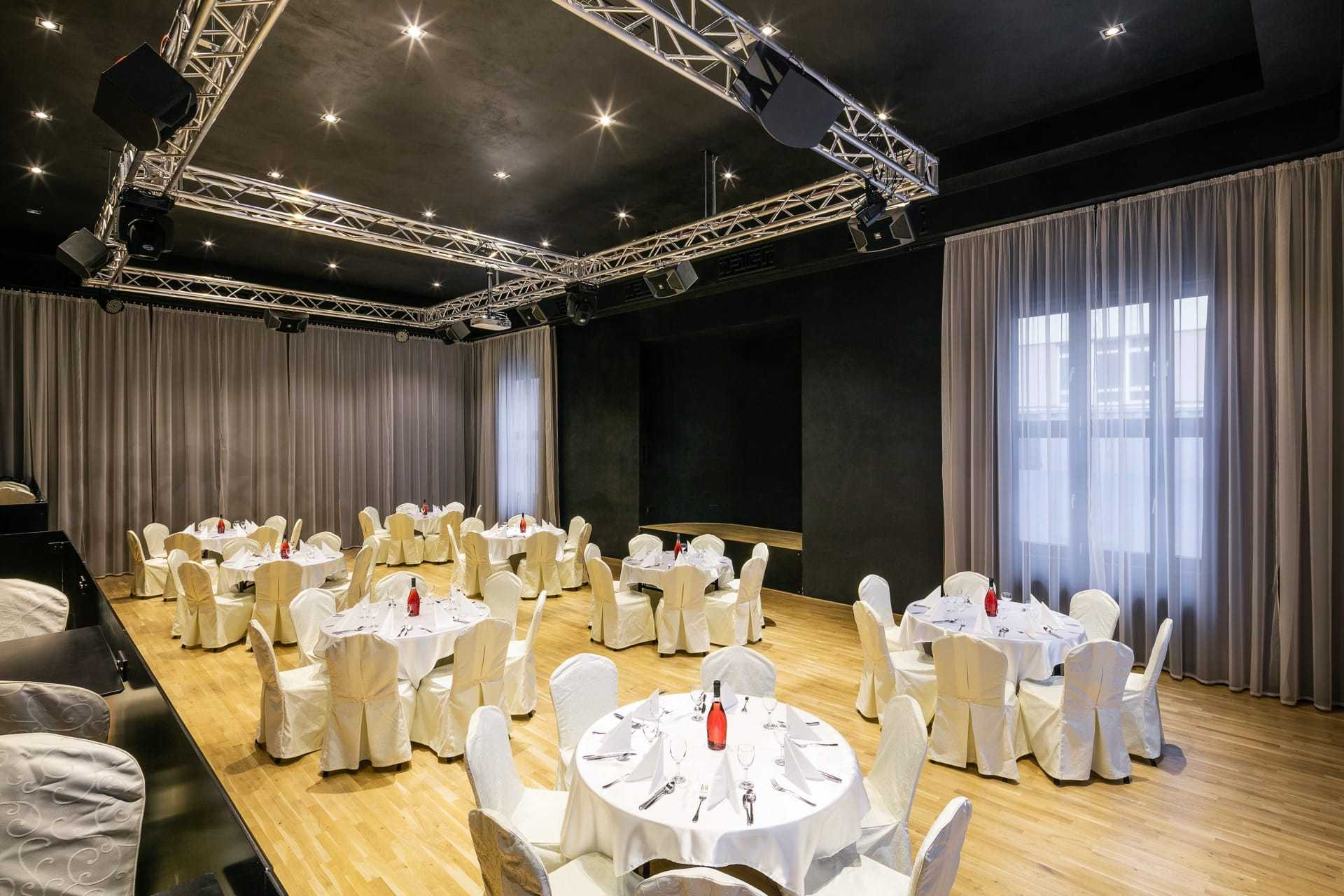 pytloun-grand-hotel-imperial_nove-velky-kongresovy-sal-1