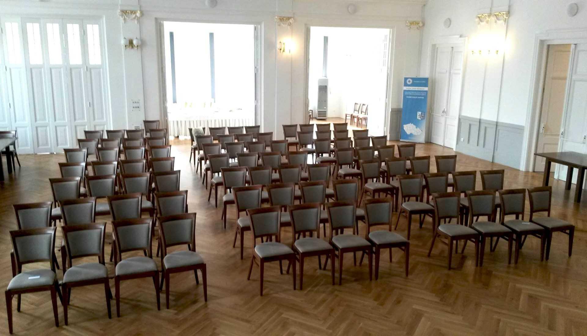 hotel-pod-zelenym-dubem_velky-sal-konferecni-sal-1