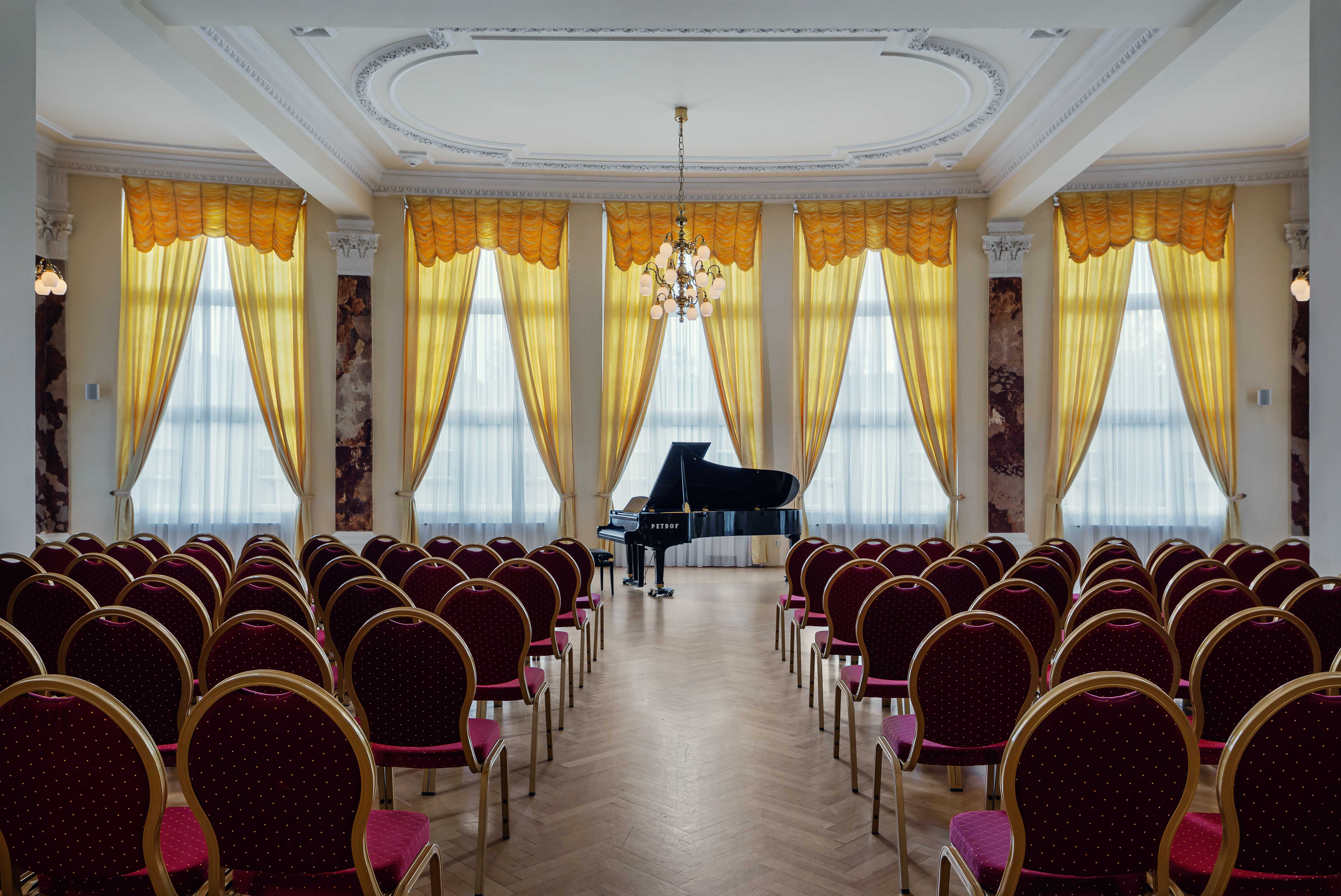 hotel-imperial_concert-hall-1