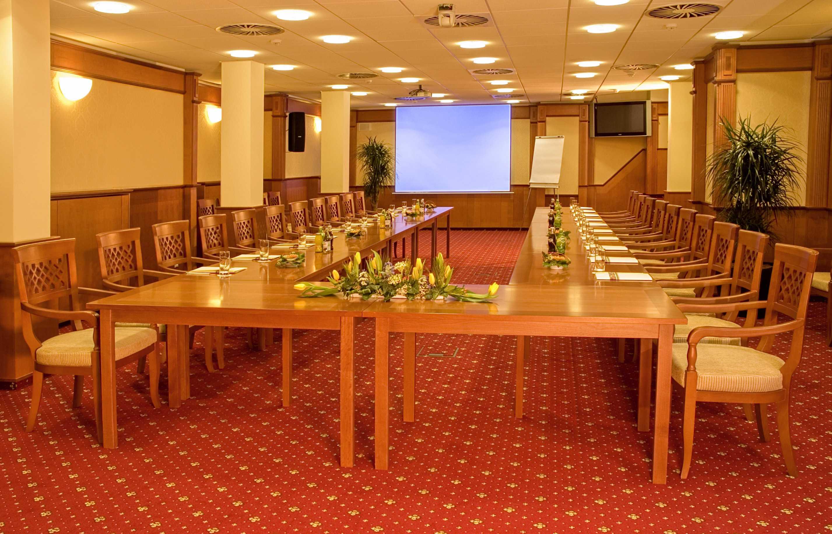 primavera-hotel-congress-centre_salonek-b-cerveny-salonek-1