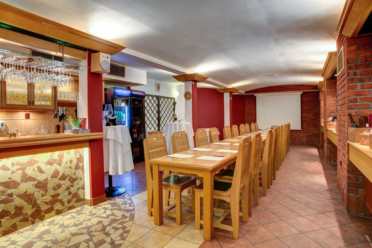 hotel-galatea_vinarna-1