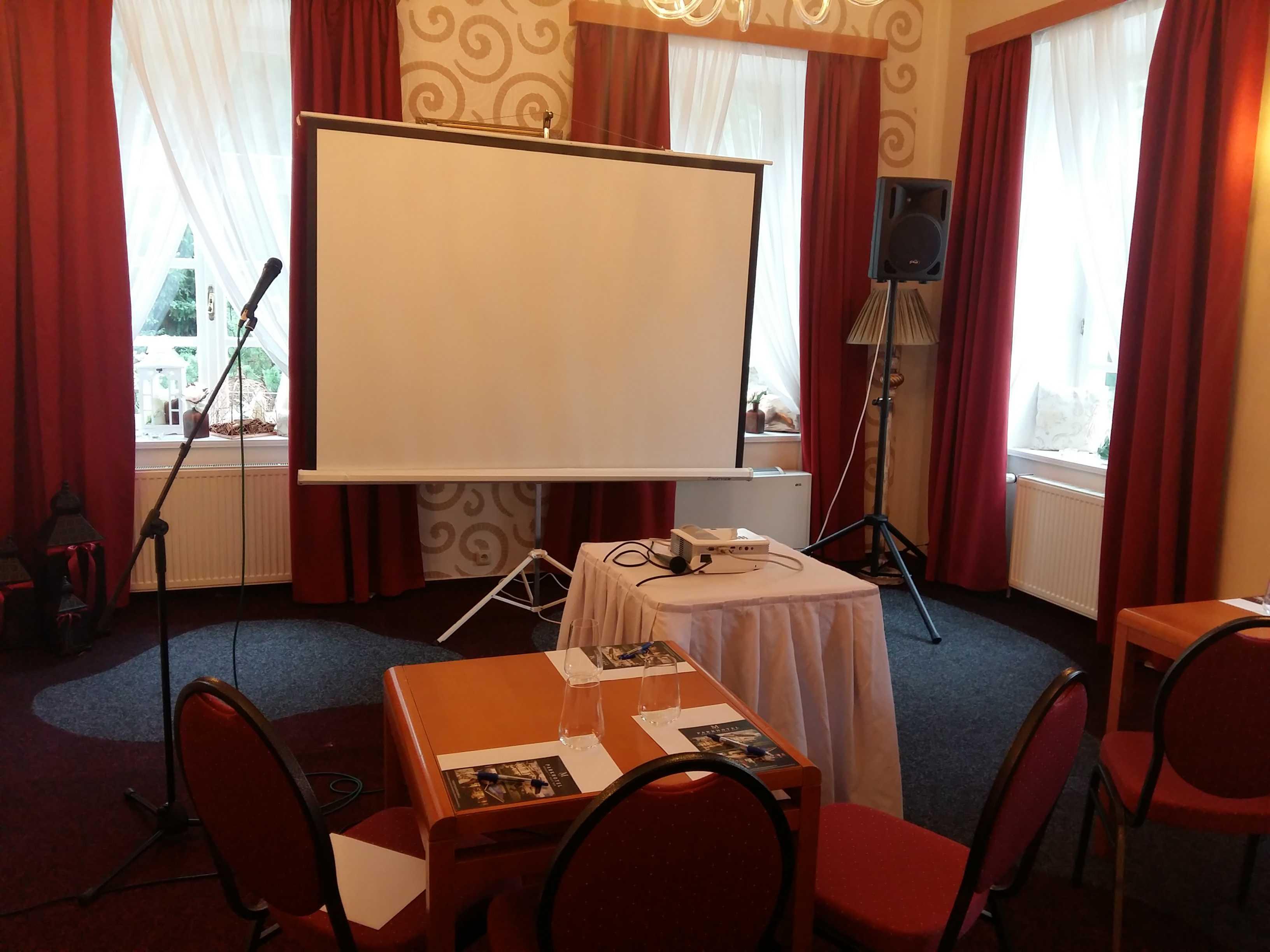 parkhotel-morris-novy-bor_konferencni-mistnost-do-20-osob-1