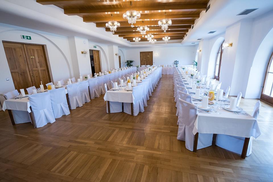hotel-zamek-velka-bystrice_spolecenske-saly-1