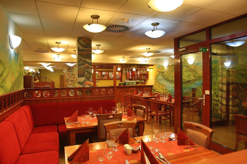 primavera-hotel-congress-centre_vinarna-1