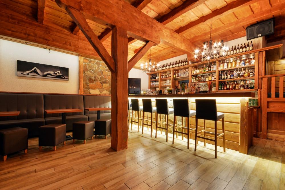 wellness-hotel-ondrasuv-dvur_music-bar-1