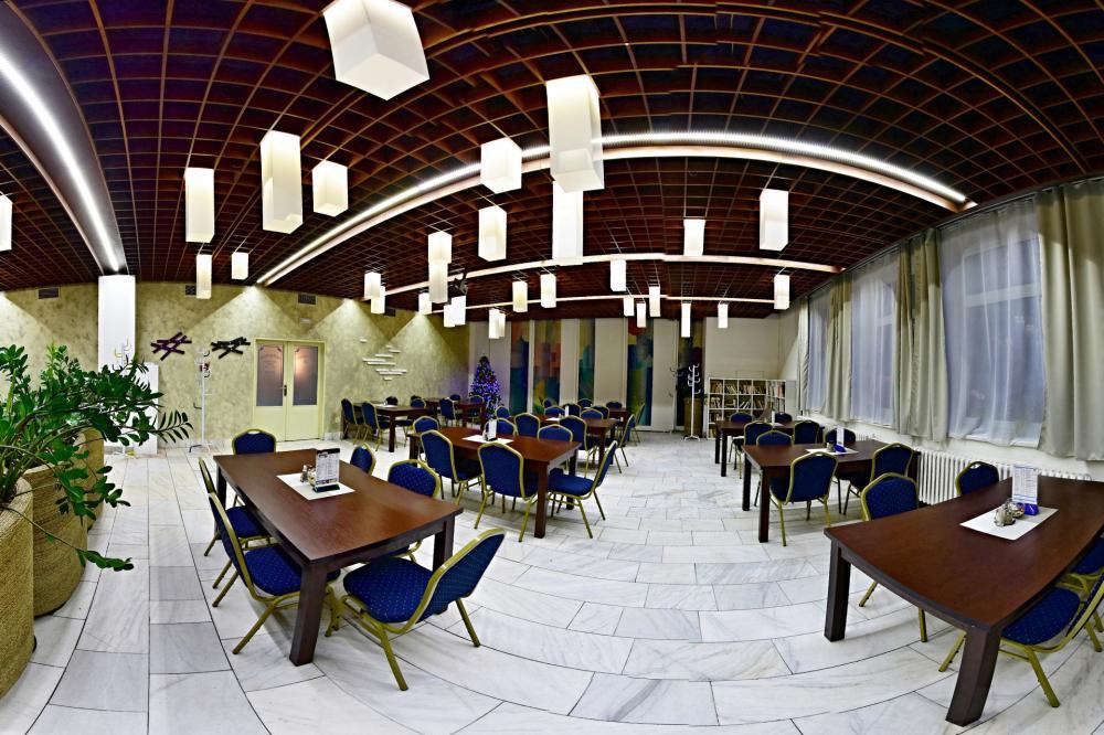 hotel-liberec_restauracni-sal-1