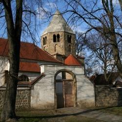 Kostel sv. Petra a Pavla v Řeznovicích