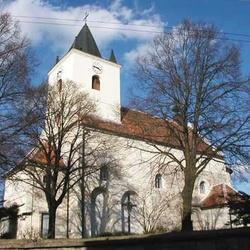 Kostel sv. Petra a Pavla v Mikulovicích