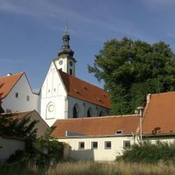 Augustiniánský klášter s kostelem Navštívení Panny Marie v Borovanech