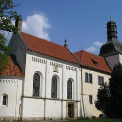 Zámek Dolní Břežany