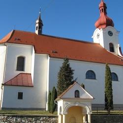 Kostel Navštívení Panny Marie s Mariánskou zahradou v Jednově