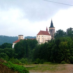 Zámek Sázava (Sázavský klášter)
