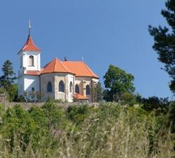 Kostel sv. Apolináře Sadská