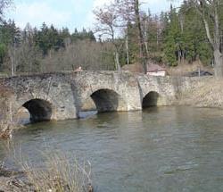 Středověký most v Ronově nad Sázavou