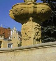Barokní kašna na Masarykově náměstí