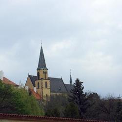 Kostel sv. Apolináře v Praze