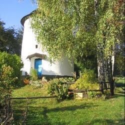 Větrný mlýn v Dolním Sklenově