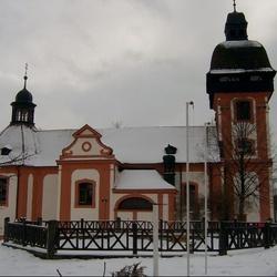 Kostel sv. Jana Křtitele ve Valči