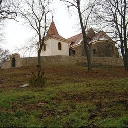 Kostel sv. Bartoloměje v Mochově