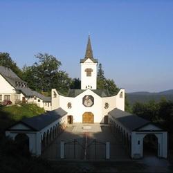 Kostel Panny Marie Pomocné u Zlatých hor