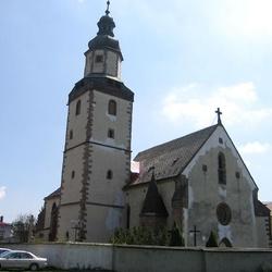 Kostel Nejsvětější Trojice v Hostinném