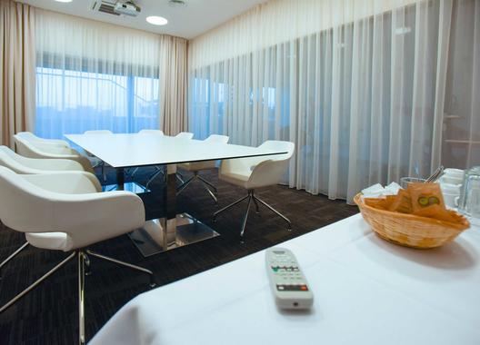 hotel-s-port_salonek-2