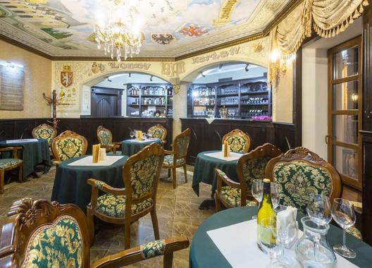 zamek-luzec-spa-wellness-resort_lobby-bar-salonek-karla-iv-1