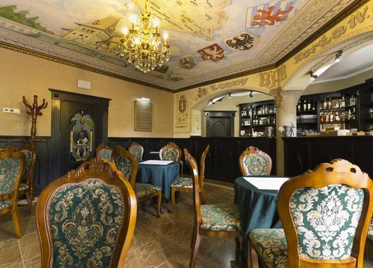 zamek-luzec-spa-wellness-resort_lobby-bar-salonek-karla-iv-3