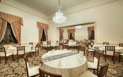 ea-zamecky-hotel-hruba-skala_valdstejnsky-sal-1