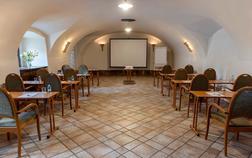 hotel-zamek-stirin_chvaluv-sal-1