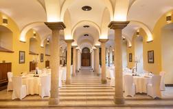 hotel-zamek-stirin_sloupovy-sal-1