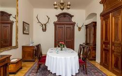 hotel-zamek-stirin_ridingeruv-salonek-1