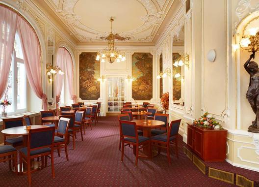 orea-spa-hotel-palace-zvon_cafe-opera-1