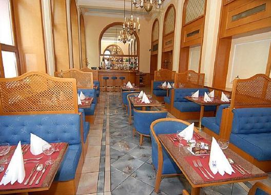 hotel-opera_meeting-room-2