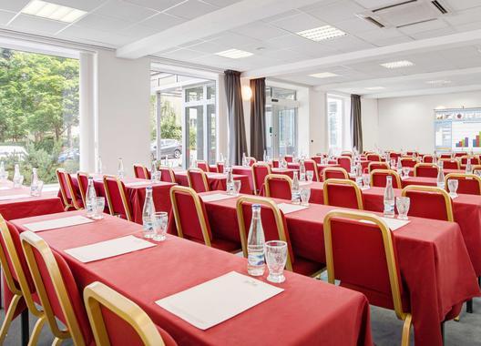hotel-astra_konferencni-sal-1