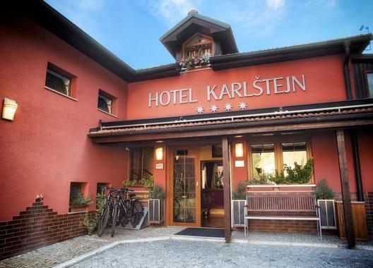 hotel-karlstejn_restaurant-kafe-bar-nebe-1
