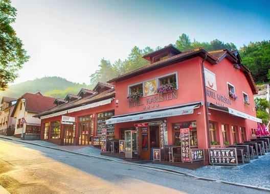 hotel-karlstejn_restaurant-kafe-bar-nebe-6