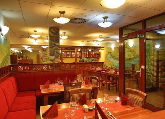 primavera-hotel-congress-centre_vinarna-6