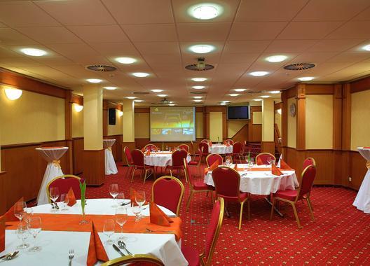 primavera-hotel-congress-centre_salonek-b-cerveny-salonek-2