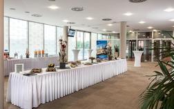 aquapalace-hotel-prague_foyer-1