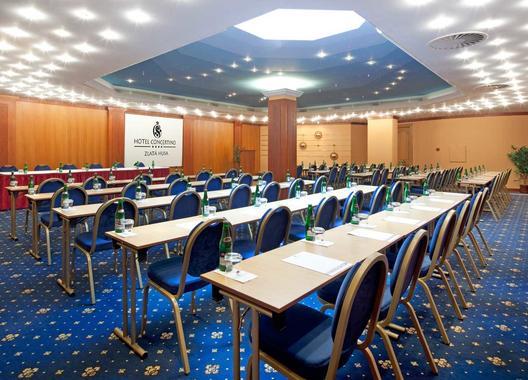 hotel-concertino-zlata-husa_kongresovy-sal-3