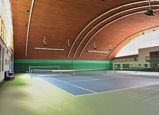 hotel-kurdejov_tenisova-hala-6