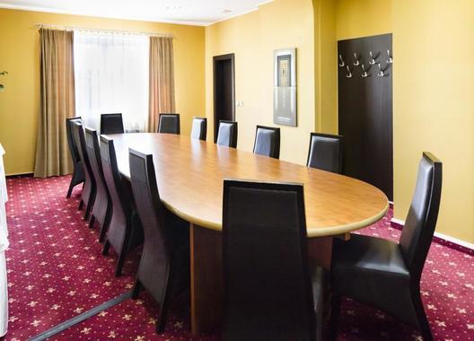 parkhotel-congress-center-plzen_meeting-room-lobby-4