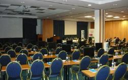 darovansky-dvur-resort-wellness-golf-hotel_hlavni-sal-1