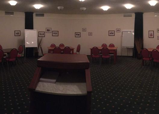 golf-hotel-morris_konferencni-mistnost-do-130-osob-4